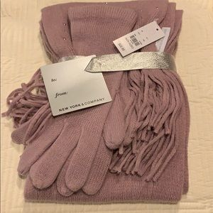 Women glove n scarf set